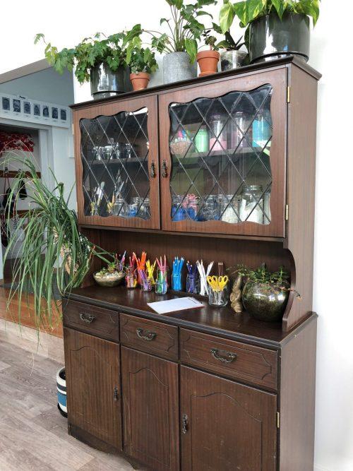 art cupboard Pauas